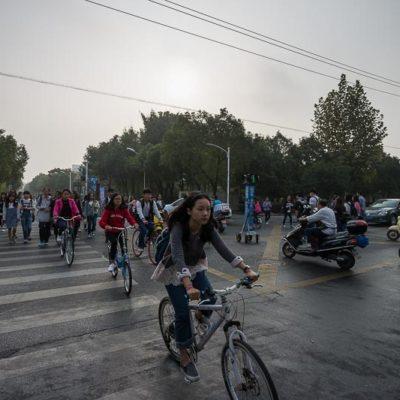China Exkursion FHWS nach Huzhou: Volles Straßen auf dem Weg zur Universität Foto: Patrick Beuchert / www.patrick-beuchert.de