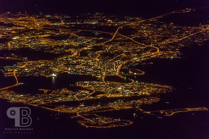 Luftaufnahme Anflug Abu Dhabi bei Nacht