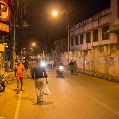 IGP 2016 Indien Exkursion der FHWS in Bangalore: Gassen von Bangalore bei Nacht Foto: Patrick Beuchert / www.patrick-beuchert.de